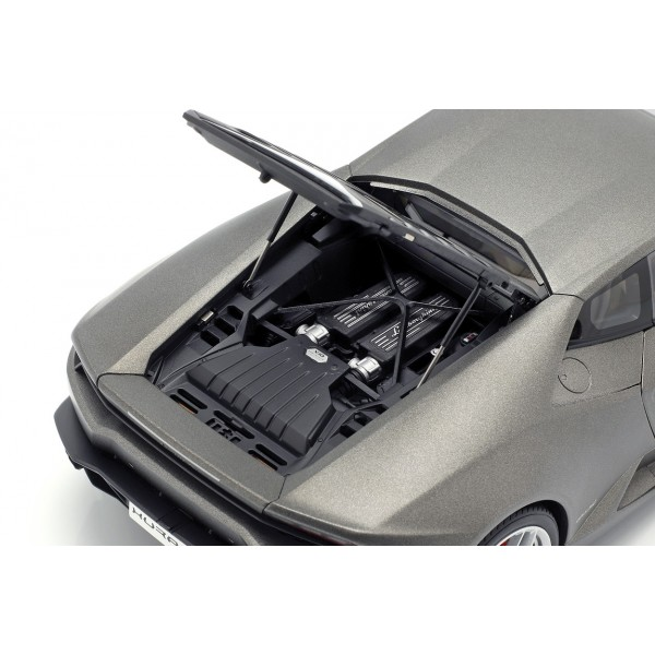 Lamborghini Huracan LP610-4 Year of manufacture 2014 titanium matt grey 1/18