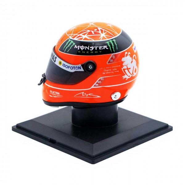 Michael Schumacher Casco Final GP Formel 1 2012 1/4