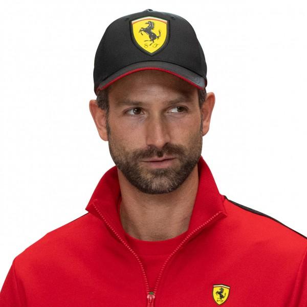 Scuderia Ferrari Cap Scudetto Noir de carbone