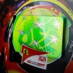 Mick Schumacher 2020 Bild mit handlackierter Carbonplatte Helm 2020