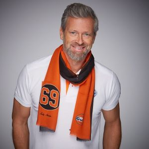 Gulf Scarf 69 Black & Orange