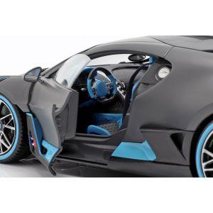 Bugatti Divo Année de construction 2018 gris mat / bleu clair 1/18