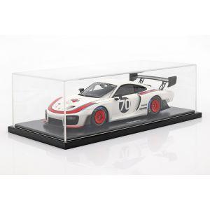 Porsche 935 #70 2018 basierend aus 911 (911 II) GT2 RS mit Vitrine 1:18