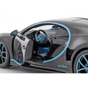 Bugatti Chiron World Record Car #42 J.-P. Montoya noir 1/18