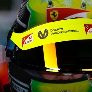 Mick Schumacher 2020 Visierwandbild mit original Helmvisier 2020