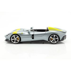Ferrari Monza SP1 Baujahr 2019 grau metallic / gelb 1:18