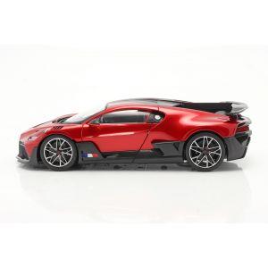 Bugatti Divo Année de construction 2018 rouge / noir 1/18