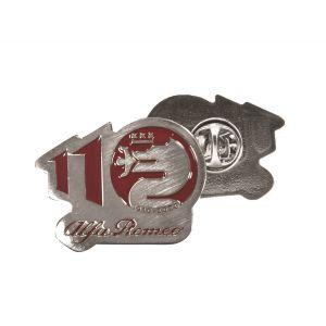 Alfa Romeo Lifestyle 110 Pin Jubiläum rot