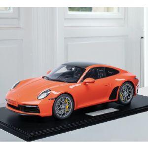Porsche 911 (992) Carrera 4S - 2020 - Lava Orange 1:8