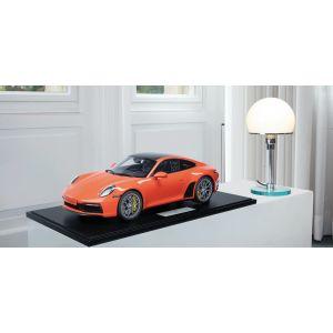 Porsche 911 (992) Carrera 4S - 2020 - Lava Orange 1/8