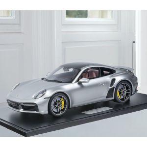 Porsche 911 (992) Turbo S - 2020 - Plata metálica 1/8