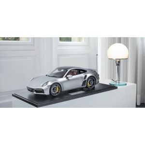 Porsche 911 (992) Turbo S - 2020 - Silver metallic 1/8