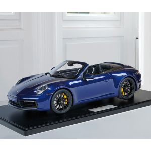 Porsche 911 (992) Carrera 4S Cabriolet - 2020 - Enzian Blaumetallic 1:8