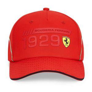 Scuderia Ferrari Cappello Infographic rosso