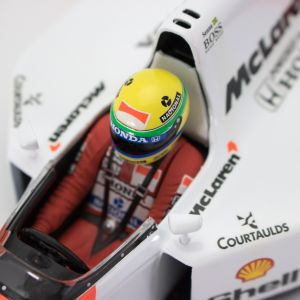 Ayrton Senna McLaren MP4/7 Minichamps 1:18 cockpit