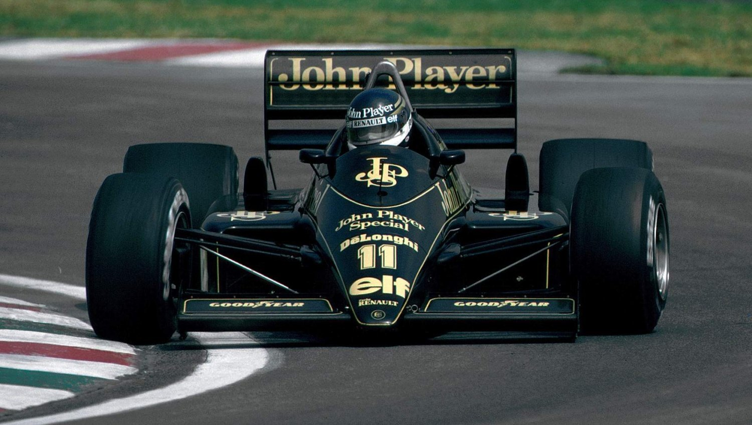 Racing Royalty: Johnny Dumfries the Earl who earned his Formula 1 right